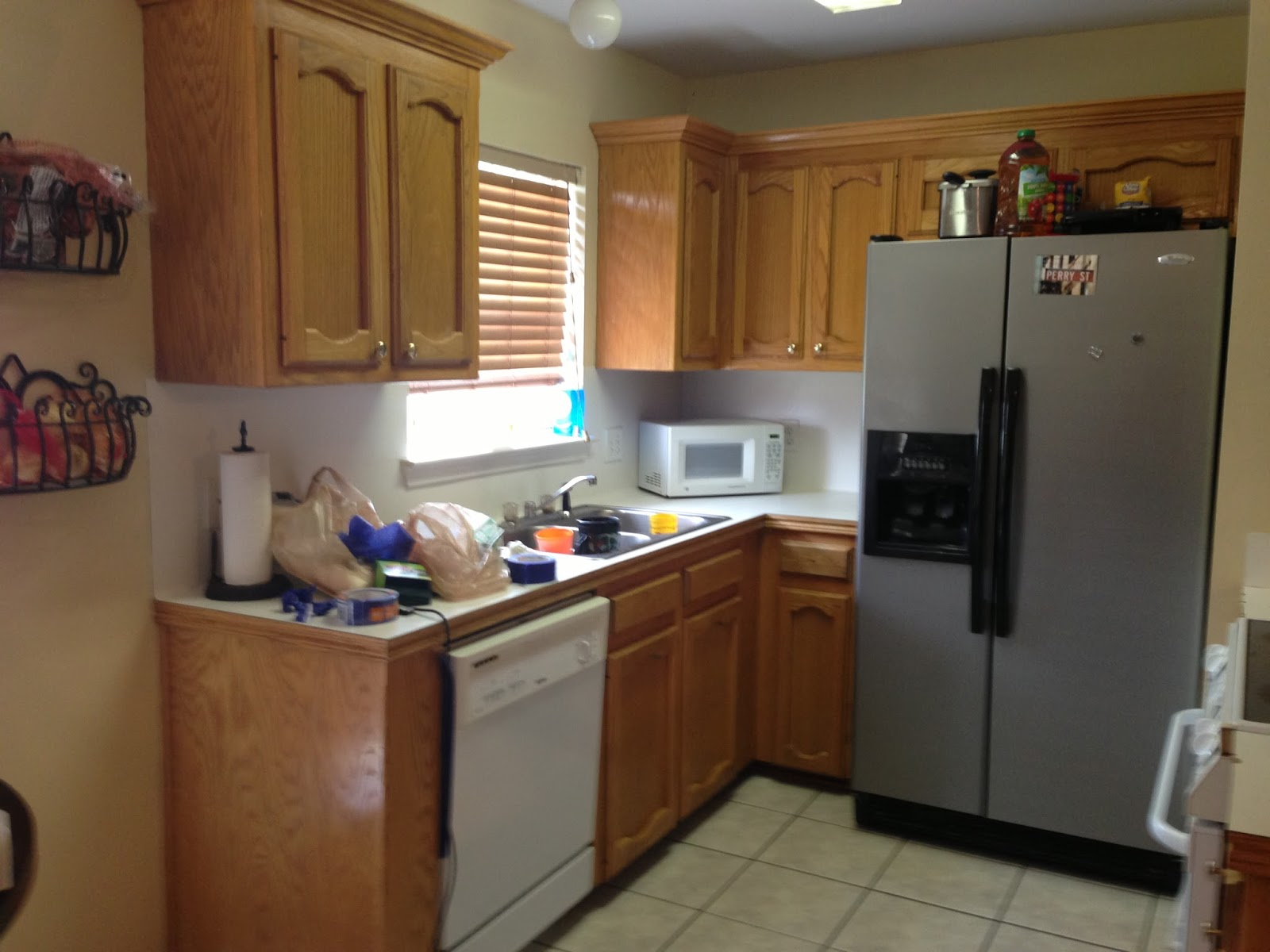 kitchen cabinet makeover here 39 s a little tmi. Black Bedroom Furniture Sets. Home Design Ideas