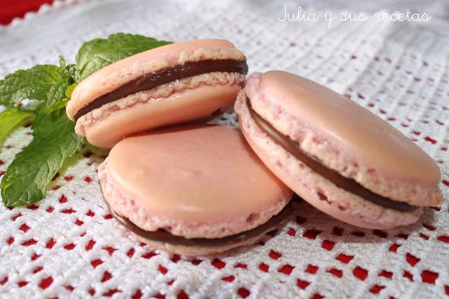 Julia y sus recetas macarons de almendra relleno de chocolate for Entrantes tipicos franceses