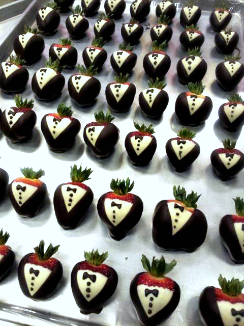 tuxedo strawberries diy