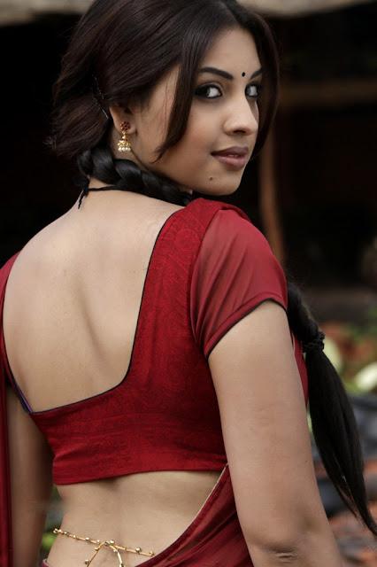 Richa Gangopadhyay spicy stills