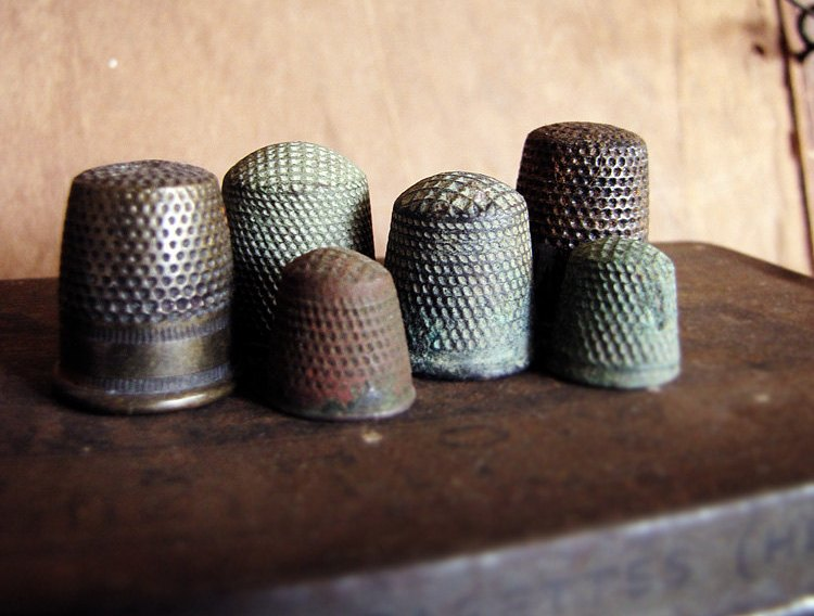 My Antique World The Thimble Collecting