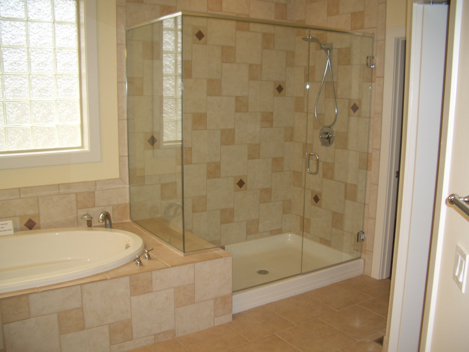 Bathroom shower home design interior for Bathroom ideas with tub