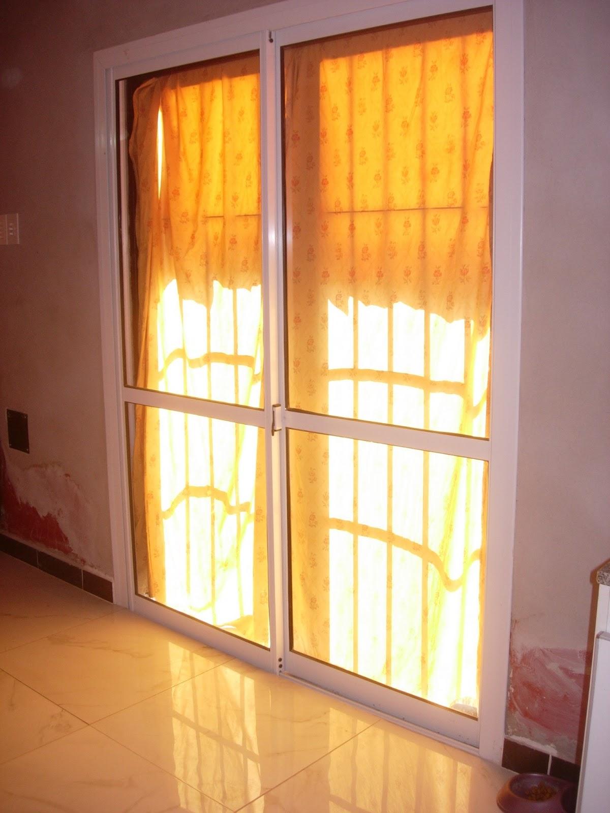 Via dise o carpinter a de aluminio puerta balcon for Carpinterias de aluminio en argentina