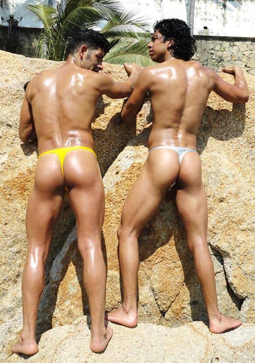 Joder gay con tanga