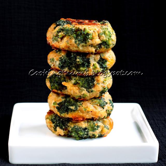 Baked Eggless Broccoli Bites