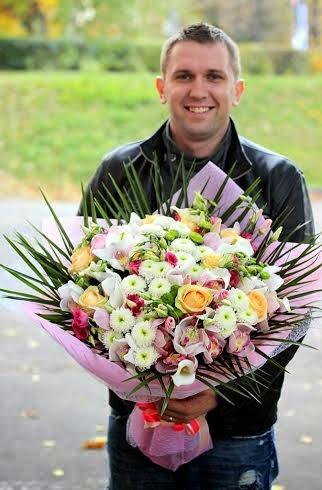 Доставка дорогих букетов цветов Киев