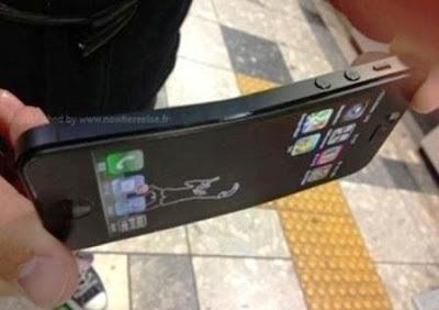 iPhone 5 Hitam Bengkok