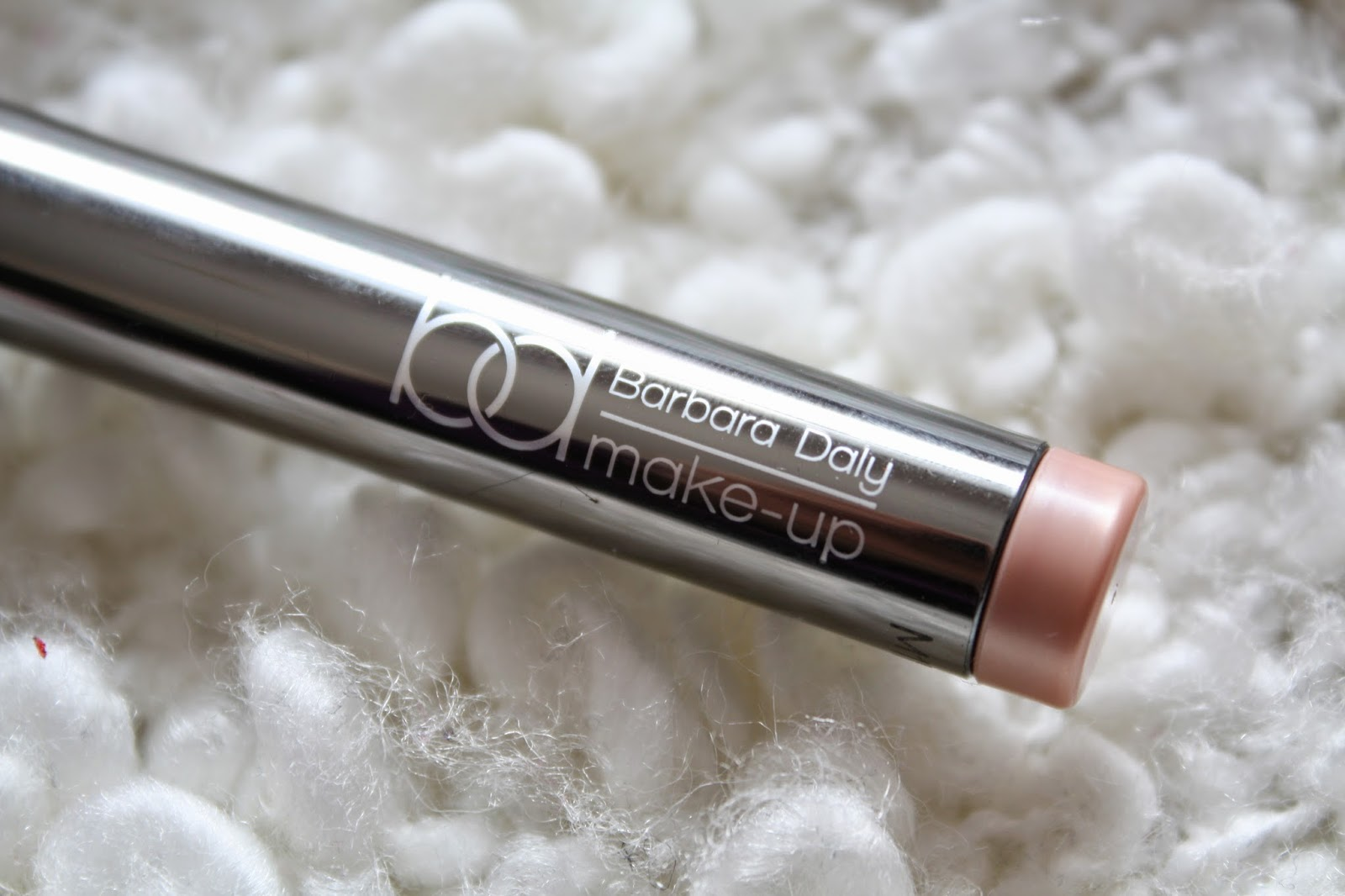 Barbara Daly Longwear Eyeshadow in Shimmering Sand