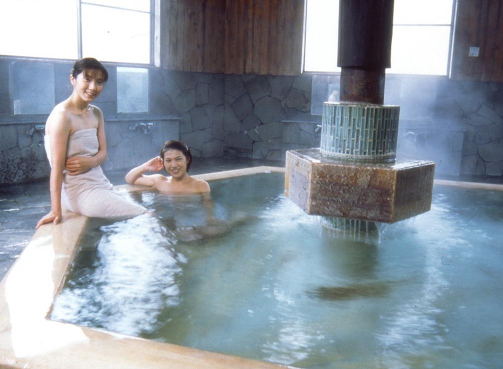 skritaya-kamera-v-chelyabinskoy-saune