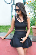 Neha Deshpande at Pochampally Ikat-thumbnail-9