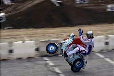 (Vespa) Motor Bahenol Yang Jadi Legenda