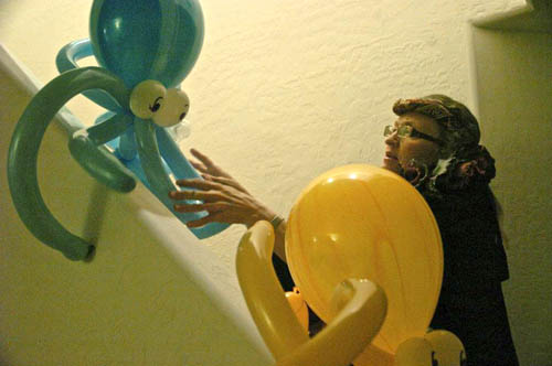 Fun Balloon Twisting party company, Nevada Balloon Face Painting, Nevada Fun Company Entertainment for the Kids, Kids Balloon Twisting company in Nevada, Fun Kids Party Entertainment