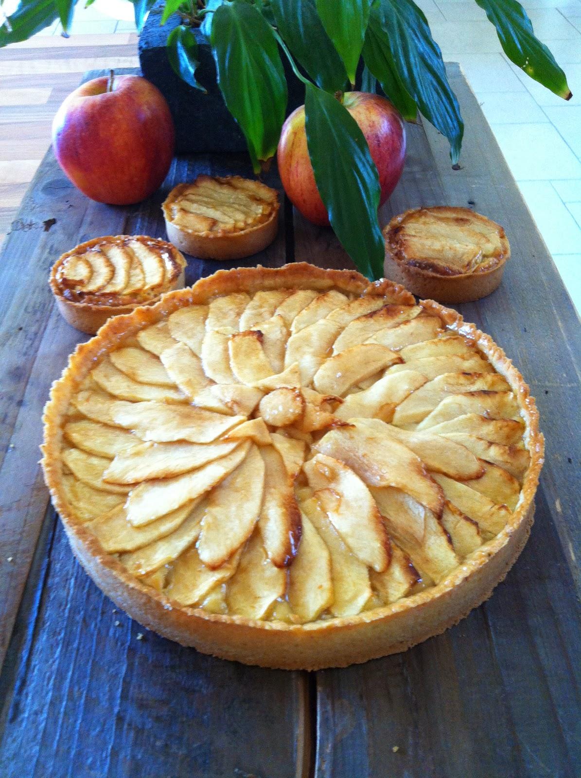 """alt=""""tarte aux pommes crème pâtissière et frangipane"""""""