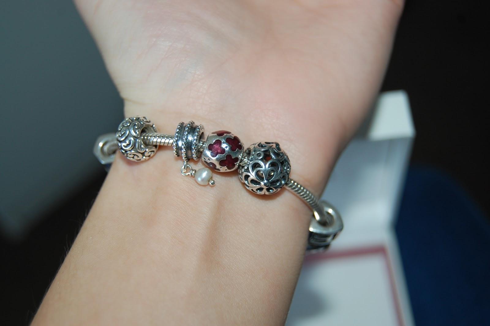 bracelet on wrist - photo #7