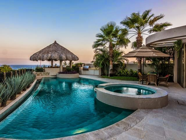 Tricked out mansions showcasing luxury houses blue sea for Vacation mansions