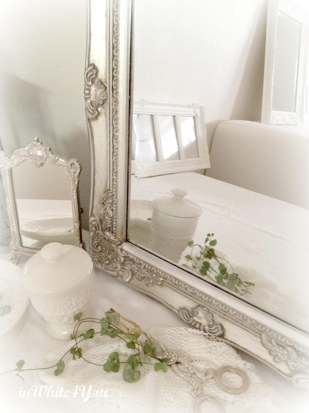 Inwhite4you: speglar i fransk lantstil är något jag favoriserar....