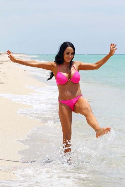 Nadya-Octomom-Suleman-Shows-Off-Her-Bikini-Body