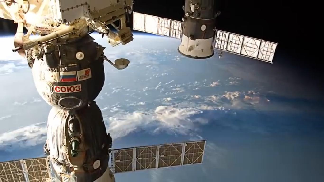 """Soyuz undocking, reentry and landing explained"", il rientro sulla Terra, spettacolari video by ESA 3/3"