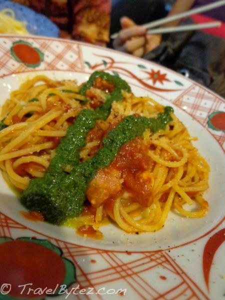 Tomato Sauce with Basil & Mozzarella Spaghetti