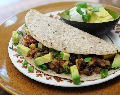 Slow Cooker Shredded Beef Tacos, what a quick supper, recipe, tips, nutrition, WW pts at Kitchen Parade.