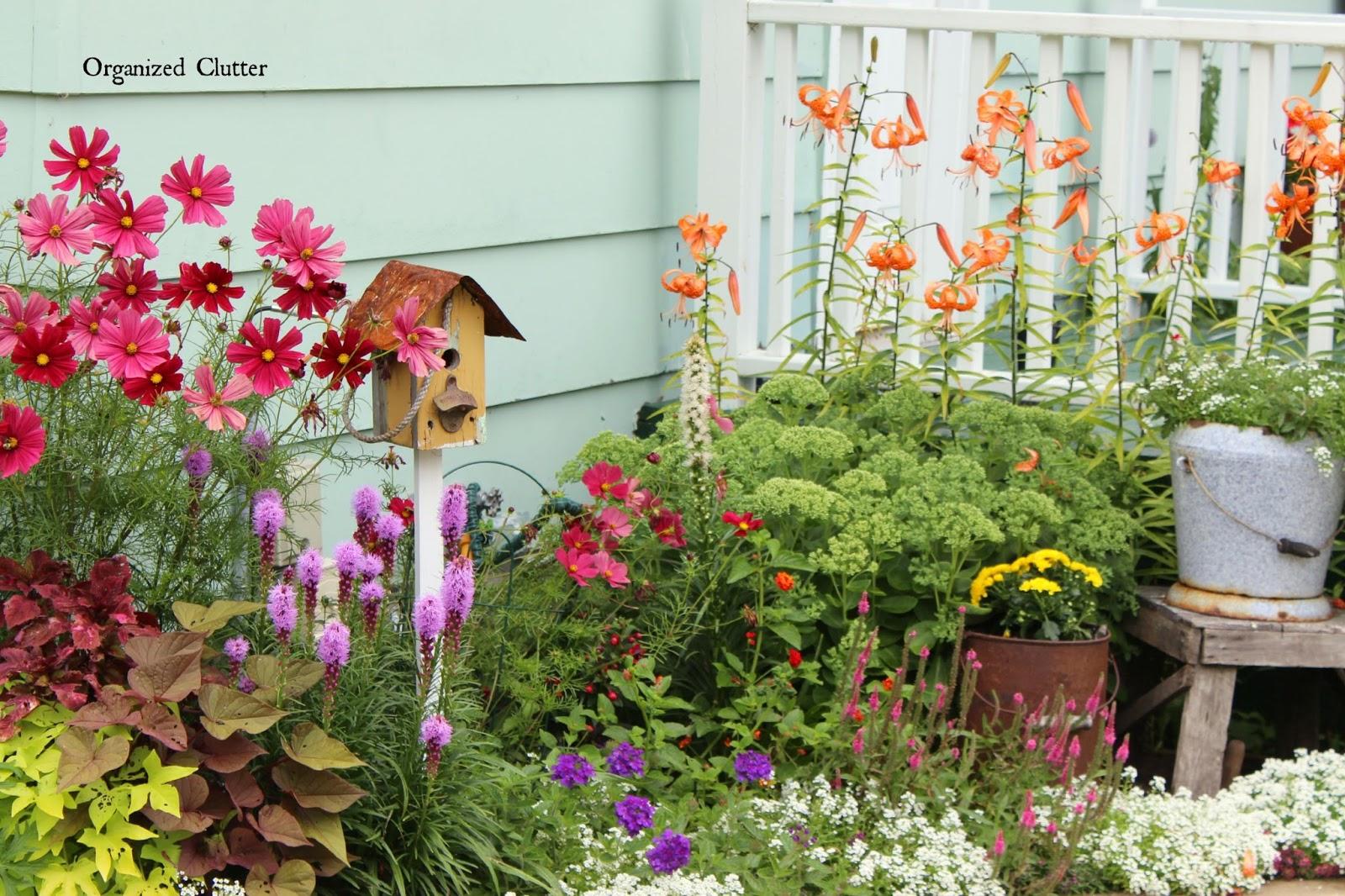 My Friend Danita\'s Rustic Garden Decor | Organized Clutter