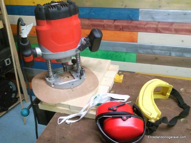 Fresadora y guía para cortar círculos. Enredandonogaraxe.com