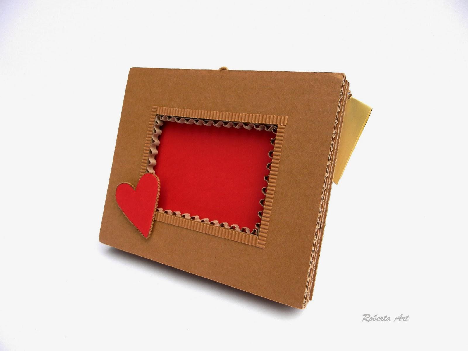 Roberta lazzarato portafoto cuore di cartone - Porta orecchini a libro ...