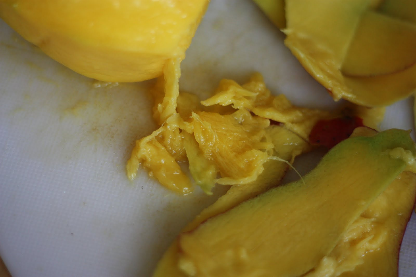 If Your Mango Is Superripe, You Might End Up With Stringy Bits Scraps Are  Nothing To Be Ashamed Of Licking The Cutting Board In The End Is Half The  Fun