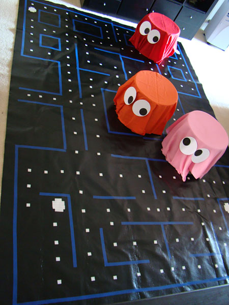 80 s party pacman pac man 80s party decorations 80s for Decoration 80 s