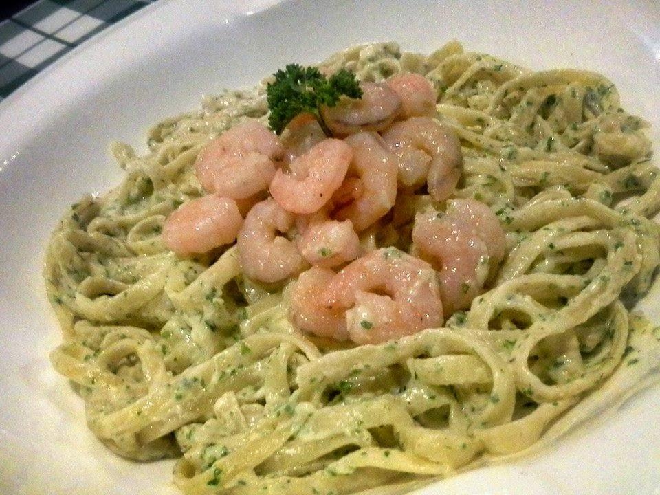 Concoction garlic shrimp pasta