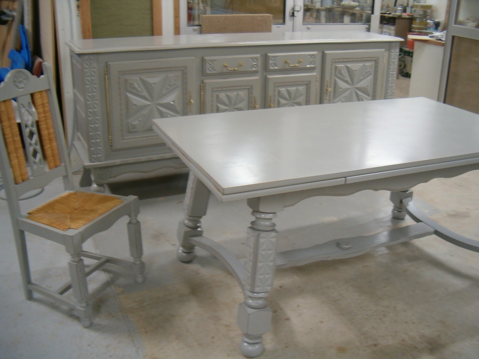 Du bois duffour du meuble for Salle a manger style basque