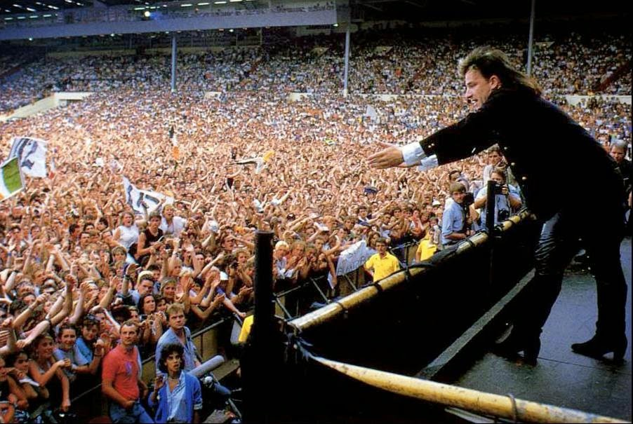 Fans Photos From The 1985 Live Aid Concert At Wembley