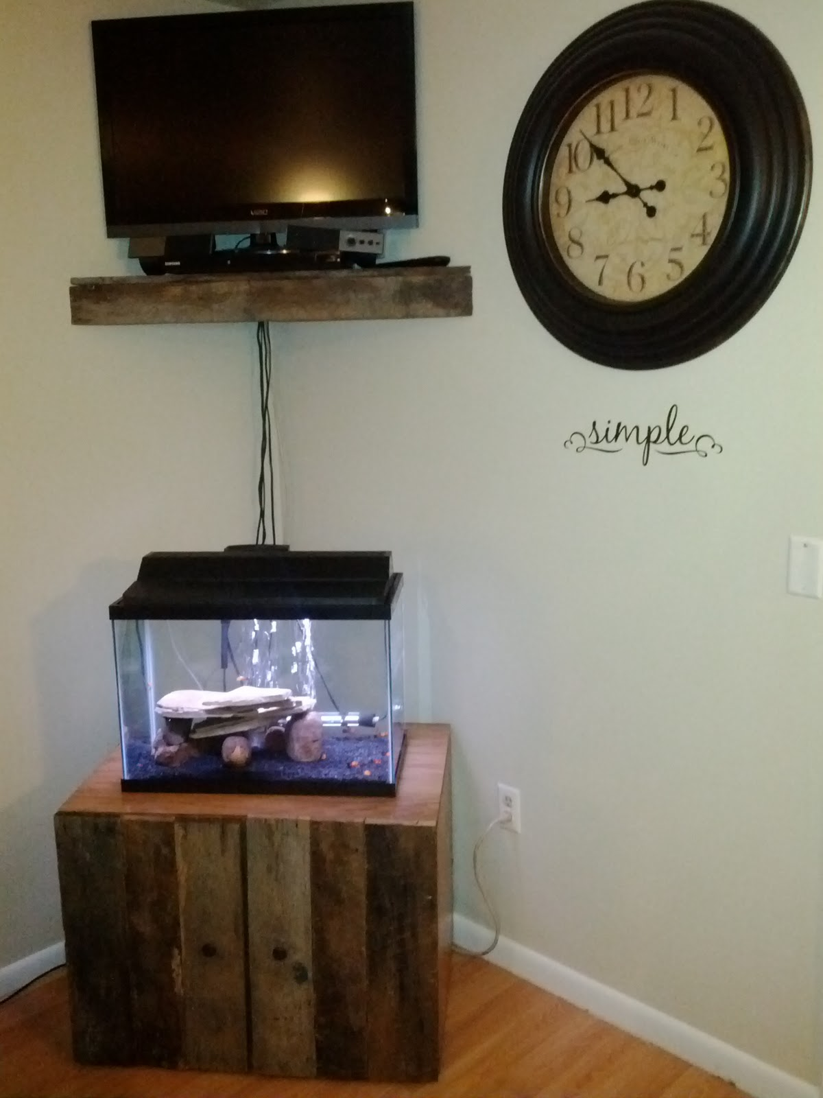 Fish tank tv stand - Hubs Next Project Was This Fish Tank Stand And Tv Shelf He Turned His Old Window Box Seat Into A Stand And Storage For The Fish Tank