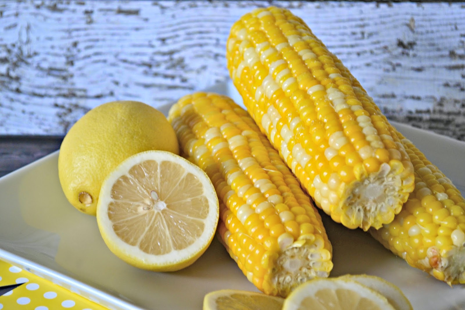 Flavoring with Lemon Instead of Salt: Lemon-Garlic Glazed Corn on the Cobb #Recipe #tablethesalt.  Corn on the cobb recipes.   How to flavor with lemon instead of salt. Flavoring with lemon instead of salt.  Sunkist S'alternative. Lemon as an alternative to salt.