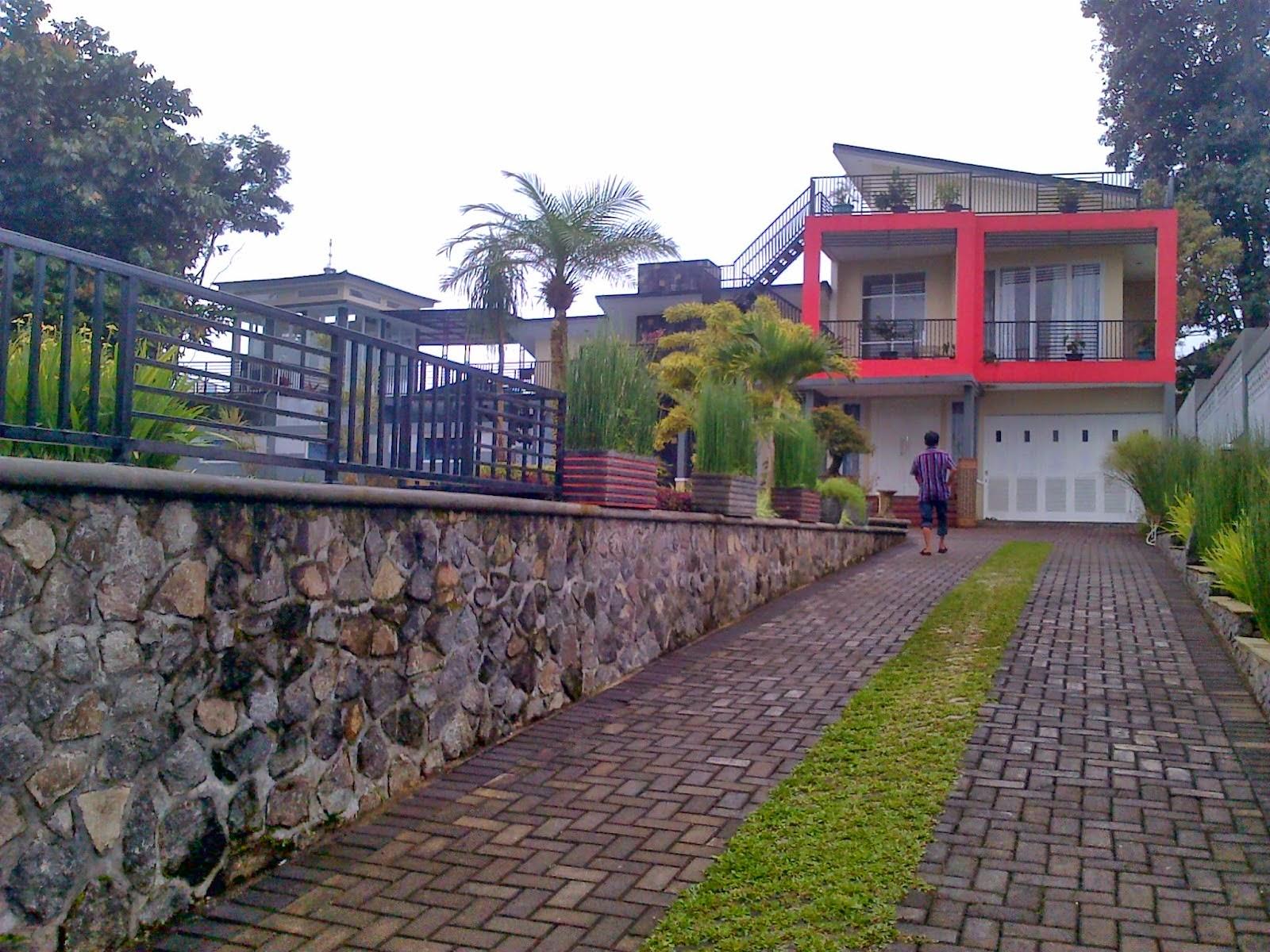 villa arisela sewa villa di puncak ada kolam renang sewa villa rh sewavilladipuncak93 blogspot com