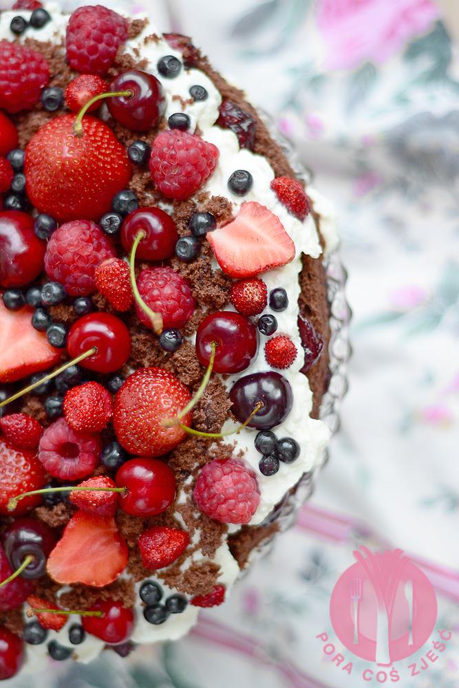 Tort z owocami lata