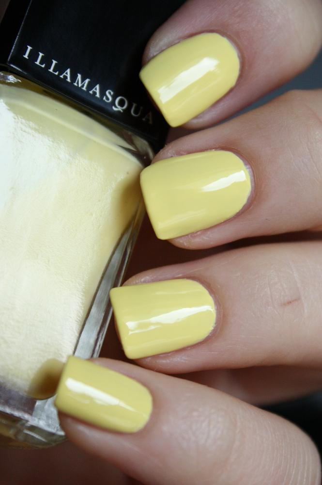 frau wahnsinn lackiert lacke in farbe und bunt gelb. Black Bedroom Furniture Sets. Home Design Ideas