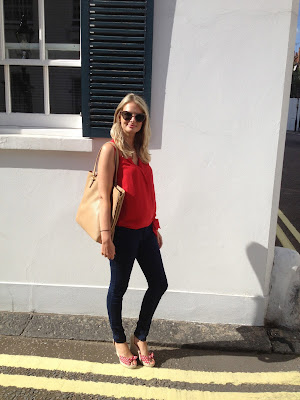 esperdrilles, esperdrilles wedge, esperdrilondon, london street style, german fashion blogger, wedge heels, red and white wedge heels, blue jeans, gap jeans, gap skinny jeans