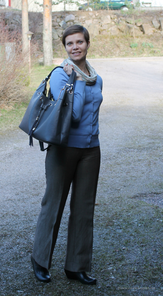 Pants by Gerard Darrel, bag by Michael Kors