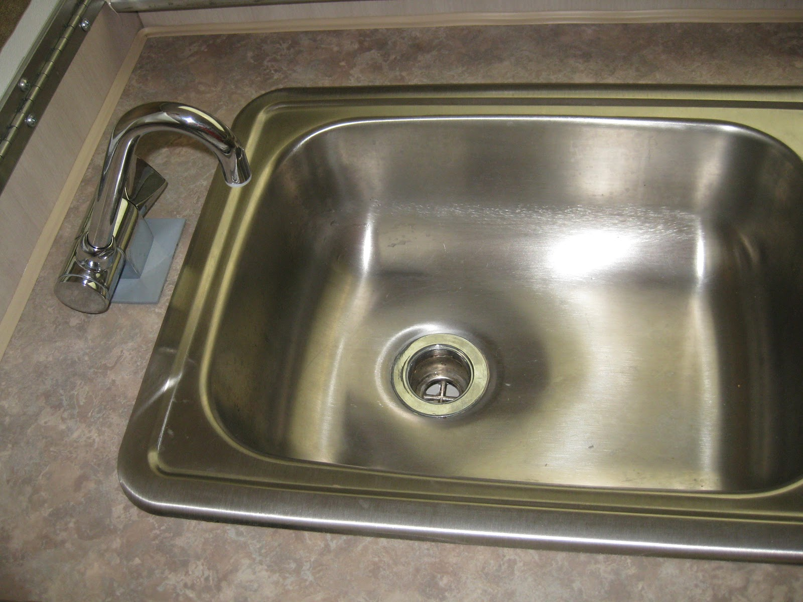 McCullough\'s Blog: New Faucet installed