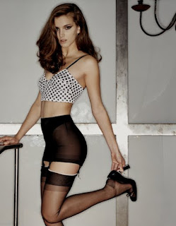Stockingirl stockings hosiery and legwear blog we simply for Simply stockings