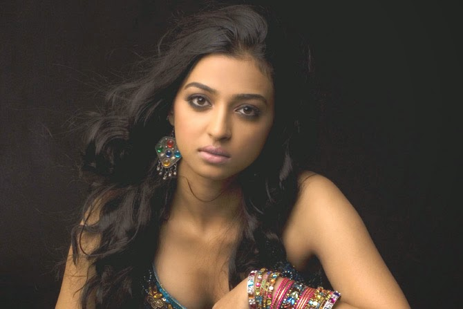 Radhika apte hot sex with boobs