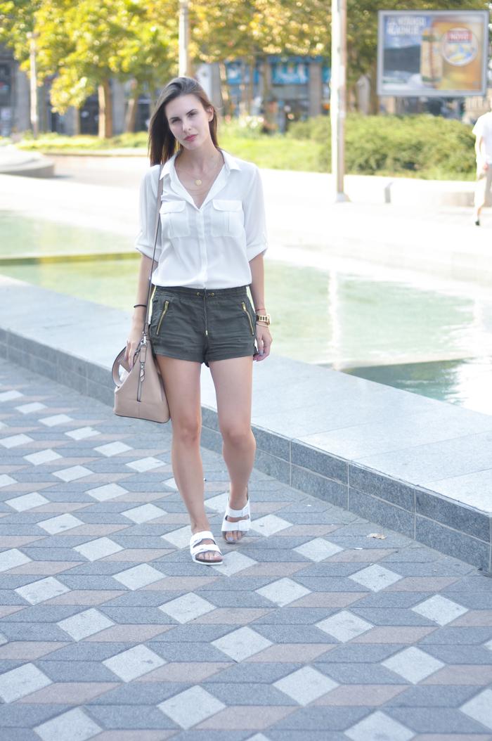 aleksandra skorupan, velvet and milk blog, birkenstock, olive, street style
