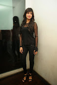 Shruti Haasan at Yevadu App Launch event-thumbnail-2