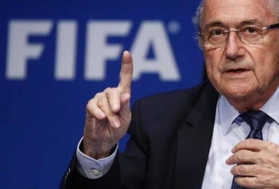 """""""Eu tenho minha consciência e sei que sou um homem honesto. Sou limpo. Não sou um homem preocupado"""", garante Blatter"""