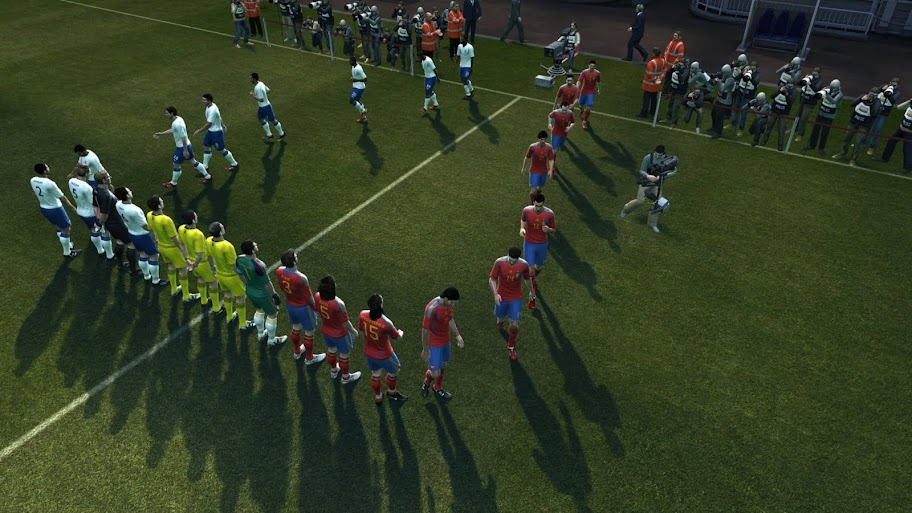 حصريا تحميل اللعبة المنتظرة و الرائعة PES 2012 Demo PES%2B2012_e3_screenshot04