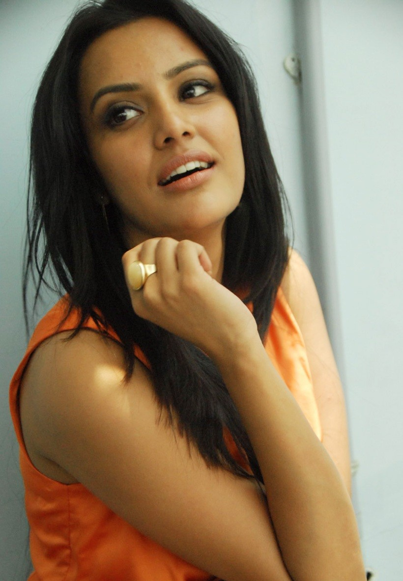 Priya+anand+in+180+movie+Audio+Release+stills+%25287%2529 Latest Actress Priya Anand Photoshoot in Orange Dress
