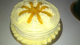 SNOWY PEACH CUSTARD CREAM CAKE