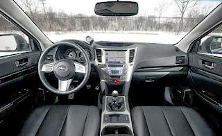 2013-Subaru-Legacy -interior