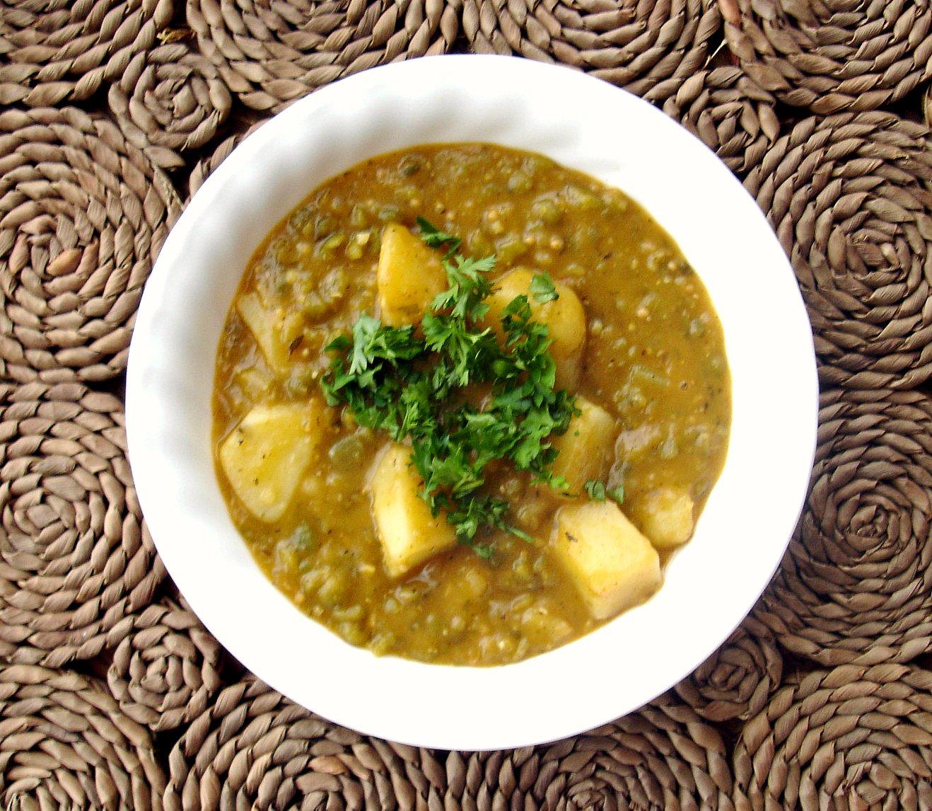 Soupe de pommes de terre hors du commun (Not Your Average Potato Soup)
